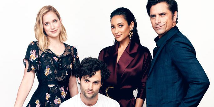 elizabeth-lail-penn-badgley-shay-mitchell-and-john-stamos-news-photo-1010946456-1547414407